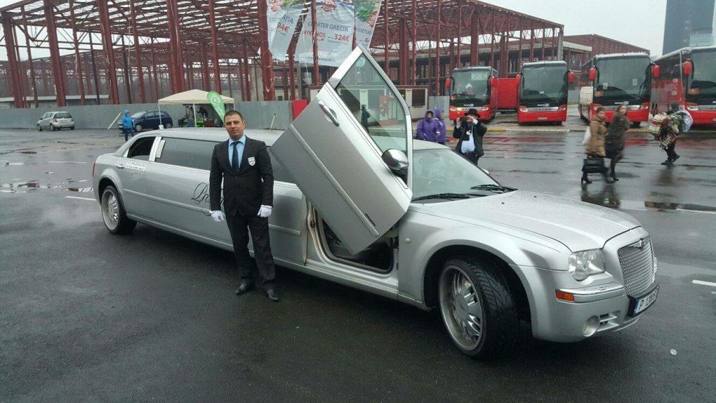 Limuzine Chrysler 300C Silver